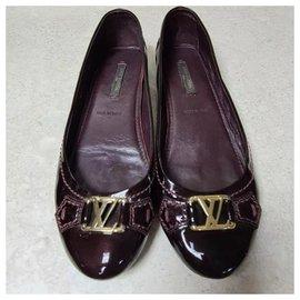 Chanel-Louis Vuitton Burgundy Patent Leather Ballet Flats Size 36-Ebony