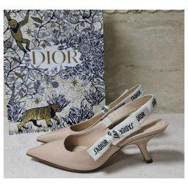 Dior-Escarpins Dior J'adior en cuir verni beige taille 37-Beige