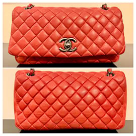 Chanel-Grand sac à rabat bulle irisé rouge matelassé Chanel ÉDITION LIMITÉE-Rouge