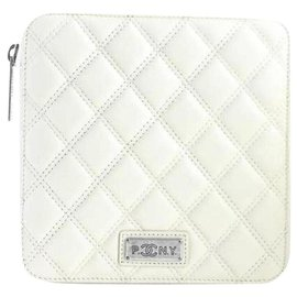 Chanel-(Ultra rare) Quilted PNY Zip Case-Cream