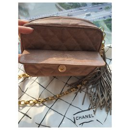 Chanel-Camera-Sand