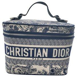 Dior-DiorTravel-Blue