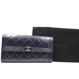 Chanel-Chanel Navy Boy CC Lambskin Leather Flap Wallet-Navy blue