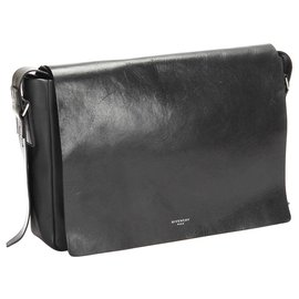 Givenchy-Givenchy Black Leather Crossbody Bag-Black