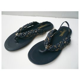 Chanel-CHANEL very good condition T navy leather thong sandals40 It-Navy blue