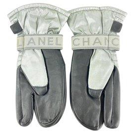Chanel-Grey CC Mitten Gloves Snow Ski Snowboard-Other