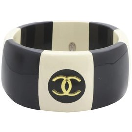 Chanel-96p Coco Button CC Wide Bangle Bracelet Cuff Black X Ivory-Other