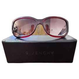 Givenchy-Sunglasses-Dark red