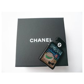 Chanel-CHANEL Resin Brooch New bottle-Black