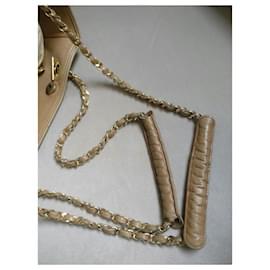 Chanel-Chanel beige quilted lambskin bag-Beige