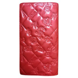 Chanel-Chanel wallet in patent leather-Coral