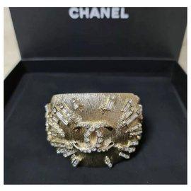 Chanel-Chanel 2017 CC Logo Jeweled Cuff Bracelet-Golden