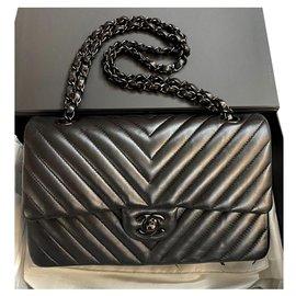 Chanel-Rare Chanel So Black Chevron Timeless Medium flap bag-Black