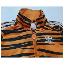 Adidas-Outfits-Black,Multiple colors,Yellow