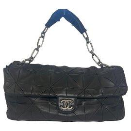 Chanel-Chanel shoulder flap bag-Black
