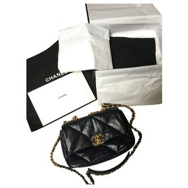 Chanel-Chanel 19 Bag. Navy-Navy blue