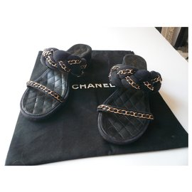 Chanel-CHANEL Sandals in navy suede calf leather and metal chain T40 It-Navy blue