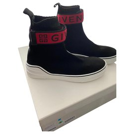 Givenchy-Sneakers-Black