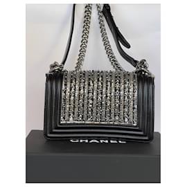 Chanel-Édition limitée Chanel petit garçon ornée de perles et de cristaux-Noir