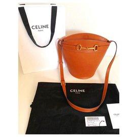 Céline-Crecy-Beige