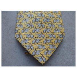 Hermès-Hermès tie, new with its box-Yellow