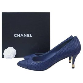 Chanel-Chanel Navy Python Leather Pumps Heels Shoes Sz 39,5-Navy blue