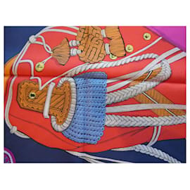 """Hermès-carré hermès """"zouaves et dragons"""" avec sa boite-Autre"""