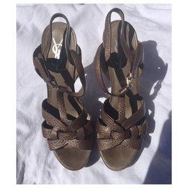 Yves Saint Laurent-YSL Tribute sandals in bronze grained leather-Bronze