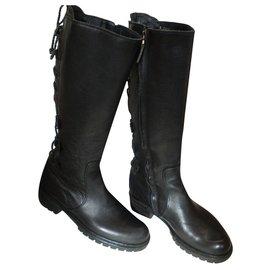Fendi-Boots-Black
