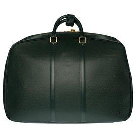 Louis Vuitton-Charming Louis Vuitton Helanga travel bag in green taiga leather-Green