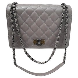 Chanel-Classic Chanel bag in gray quilted calf leather-Grey