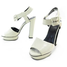 Hermès-HERMES SANDALS WITH HEELS 39 IN PATENT LEATHER + SANDLA SHOES BOX-Cream