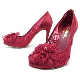 Chanel-CHANEL SHOES CAMELIA LACE PUMPS 38 IN RED SATIN LACE SHOES-Red