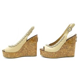 Chanel-Chanel used shoes 36 BEIGE LEATHER SANDALS WITH SILVER CHAIN-Beige