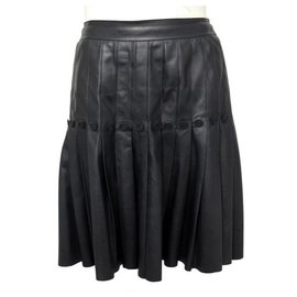 Chanel-CHANEL SKIRT PLISSE BUTTONS LOGO CC M 38 P26909 IN BLACK LEATHER SKIRT-Black