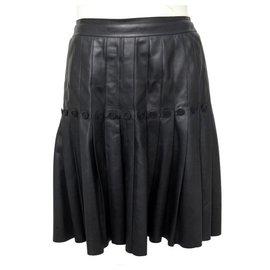 Chanel-JUPE CHANEL PLISSE BOUTONS LOGO CC M 38 P26909 EN CUIR NOIR LEATHER SKIRT-Noir