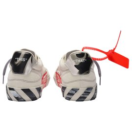 Off White-Low Vulcanized Sneakers in White and Grey-White
