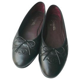 Chanel-CHANEL Quilted black leather ballerinas T42 C very good condition-Black