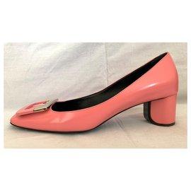 Roger Vivier-Pink brushed leather pumps-Pink