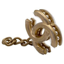 Chanel-CC charm pendant with antique gold pearls-Golden