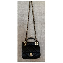 Chanel-Black calf leather Flap Card Holder with Gold Chain-Black