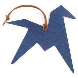 Hermès-NEW JEWEL OF SAC HERMES THE SENSE OF THE OBJECT 2017 BLUE & BEIGE LEATHER HORSE CHARM-Beige