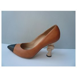 Chanel-CHANEL Two-tone beige and black pumps T41 IT very good condition-Multiple colors