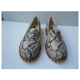 Louis Vuitton-LOUIS VUITTON Python T loafers39 IT very good condition-Beige