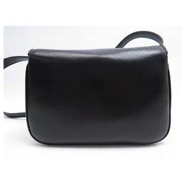 Céline-VINTAGE HANDBAG CELINE FERMOIR TRIOMPHE BLACK LEATHER BANDOULIERE HAND BAG-Black