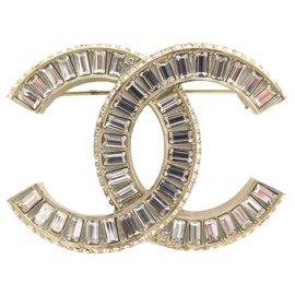 Chanel-CHANEL BROOCH CC LOGO & STRASS IN GOLD METAL + GOLDEN BROOCH JEWEL BOX-Golden