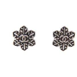 Chanel-NEW CHANEL LOGO CC SNOWFLAKES SNOWFLAKE EARRINGS-Silvery