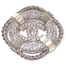 Chanel-Brooch CC Chanel-Silvery