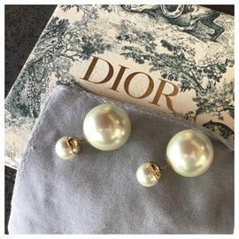 Dior-Tribales-Blanc cassé
