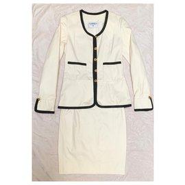 Chanel-Iconic skirt suit 80'-Black,Eggshell